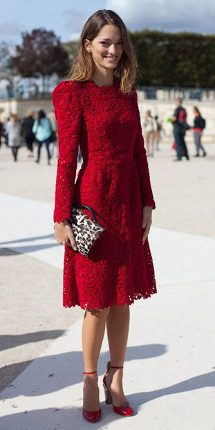 red-dress-lace-valentinesday-party-night-out-holiday-aline-red-shoe-pumps-fall-winter-hairr-dinner.jpg