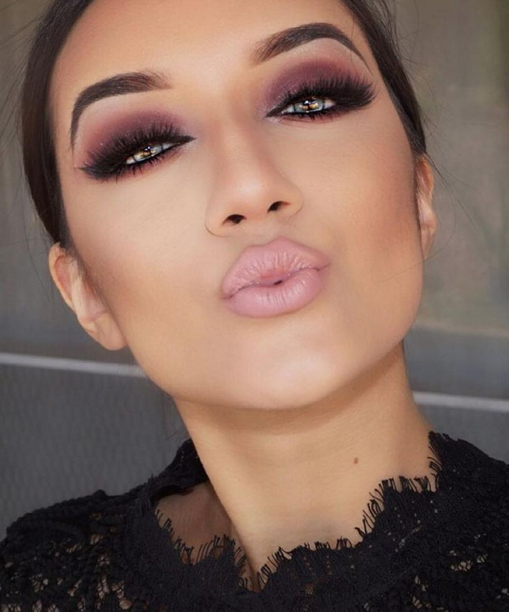 makeup-style-what-to-wear-valentines-day-dinner-holiday-ideas-winter-eyeliner-purple-pink-eyeshadow.jpg