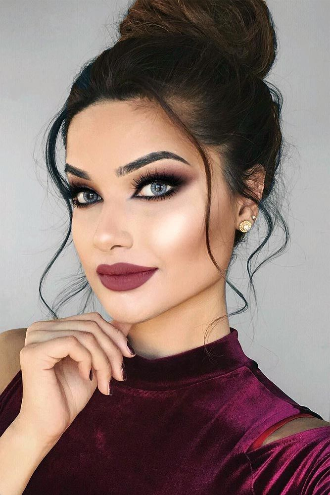 makeup-style-what-to-wear-valentines-day-dinner-holiday-ideas-winter-eyeshadow-burgundy-messy-updo-bun-hair.jpg