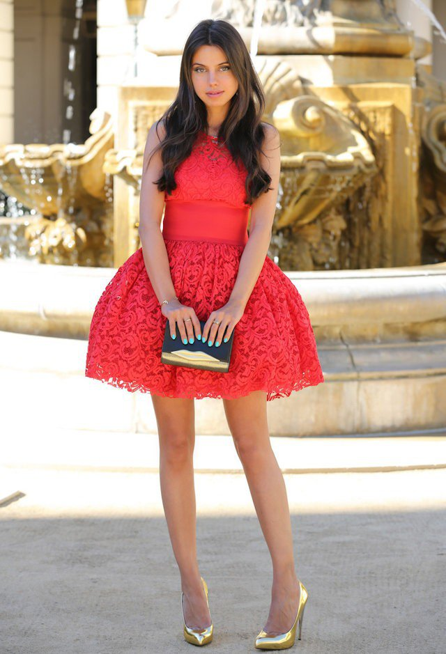 red-dress-mini-lace-tan-shoe-pumps-gold-brun-howtowear-valentinesday-outfit-fall-winter-dinner.jpg