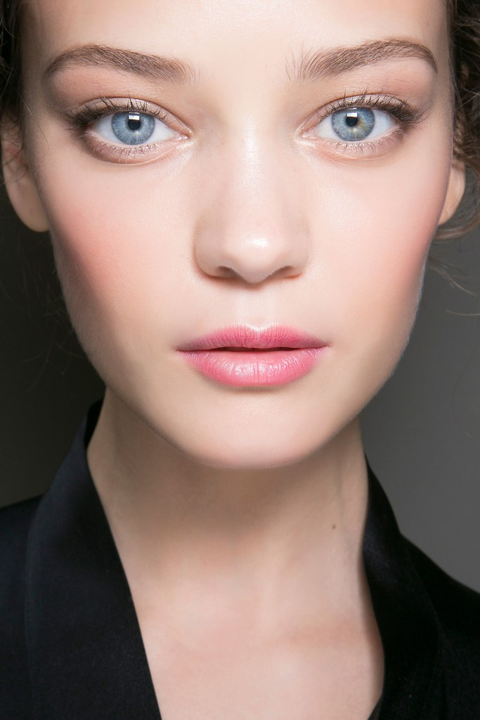 makeup-style-what-to-wear-valentines-day-dinner-holiday-ideas-winter-soft-pink-natural.jpg