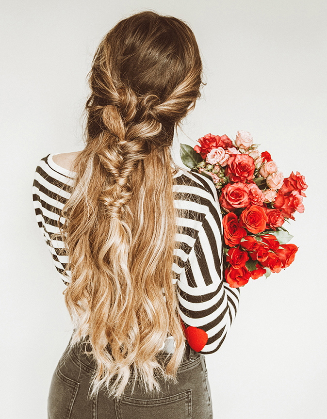 hair-styles-what-to-wear-valentines-day-dinner-holiday-outfits-winter-halfup-blonde-twist.jpg