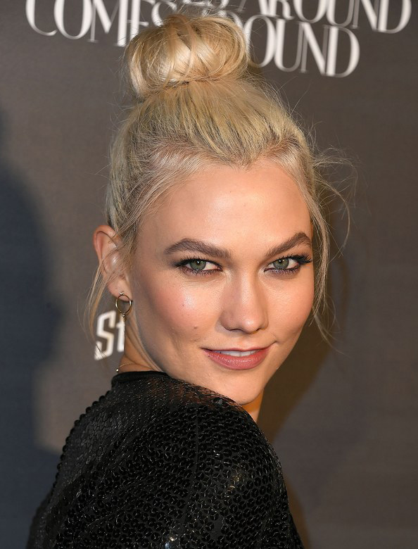 hair-styles-what-to-wear-valentines-day-dinner-holiday-outfits-winter-topknot-bun-messy.jpg