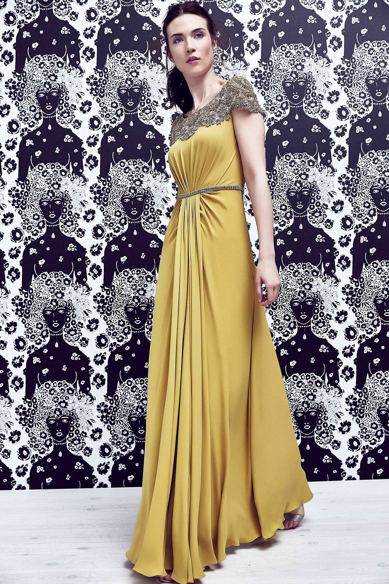 what-to-wear-for-a-spring-wedding-guest-outfit-yellow-dress-maxi-hairr-pony-dinner.jpg