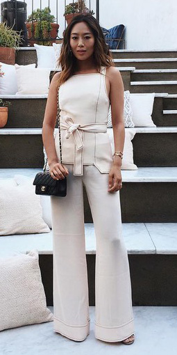 what-to-wear-for-a-spring-wedding-guest-outfit-white-wideleg-pants-black-bag-brun-match-set-dinner.jpg