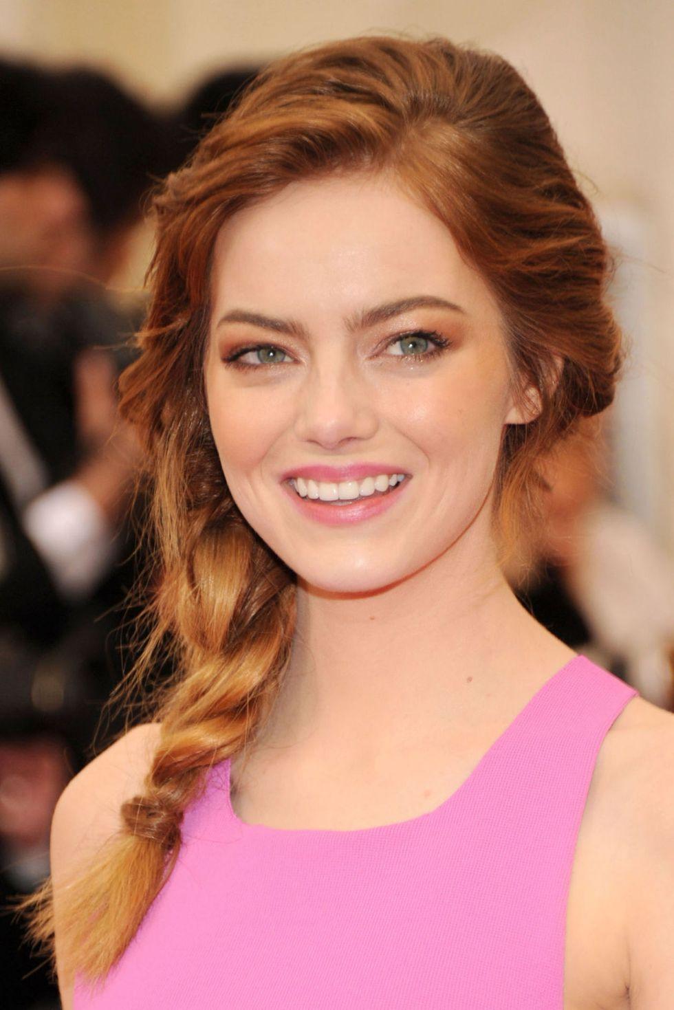 wedding-guest-hair-side-braid-updo-style-beauty-emmastone-red-hair-pink-dress.jpg