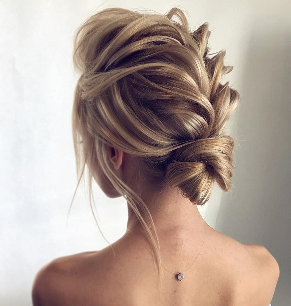 wedding-guest-hair-braid-style-beauty-loose-updo-messy.jpg
