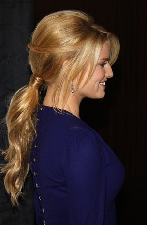 wedding-guest-hair-ponytail-style-beauty-blonde-long-hair-pony-bangs.JPG