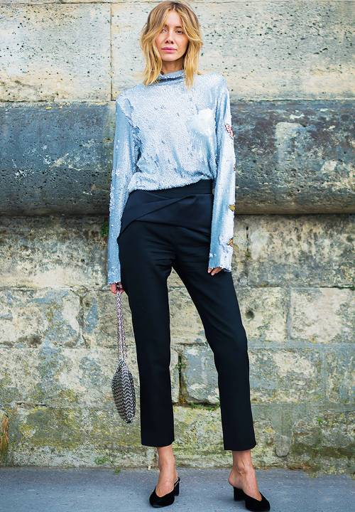 what-to-wear-for-a-winter-wedding-guest-outfit-blue-navy-slim-pants-blue-light-top-blonde-black-shoe-pumps-dinner.jpg