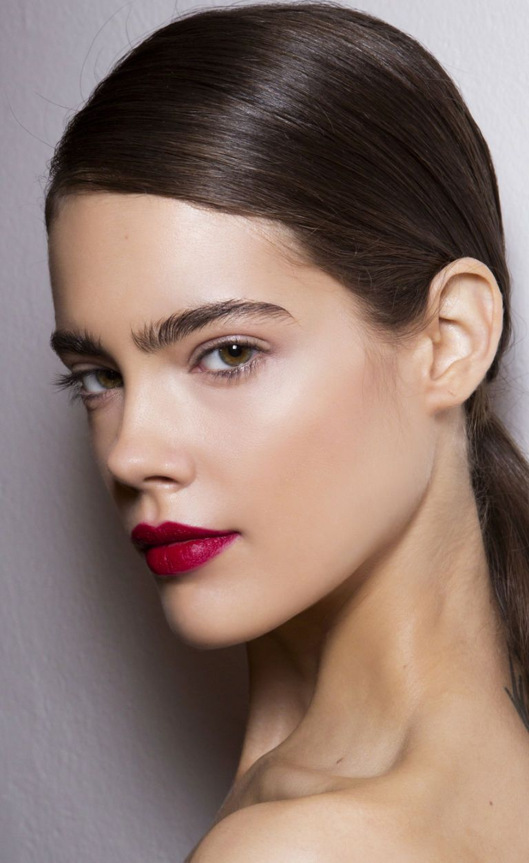 lips-how-to-do-your-makeup-for-wedding-guest-beauty-red-lipstick.jpg