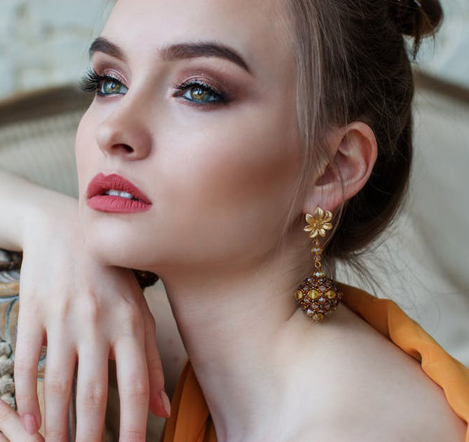eyes-how-to-do-your-makeup-for-wedding-guest-beauty-eyeshadow-smokey.jpg