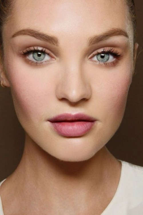 soft-natural-how-to-do-your-makeup-for-wedding-guest-beauty-nude-lips.jpg