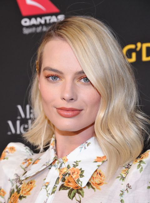soft-natural-how-to-do-your-makeup-for-wedding-guest-beauty-orange-nude-margotrobbie.jpg