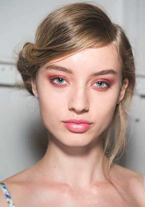 soft-natural-how-to-do-your-makeup-for-wedding-guest-beauty-pink-eyeshadow-monochromatic.jpg