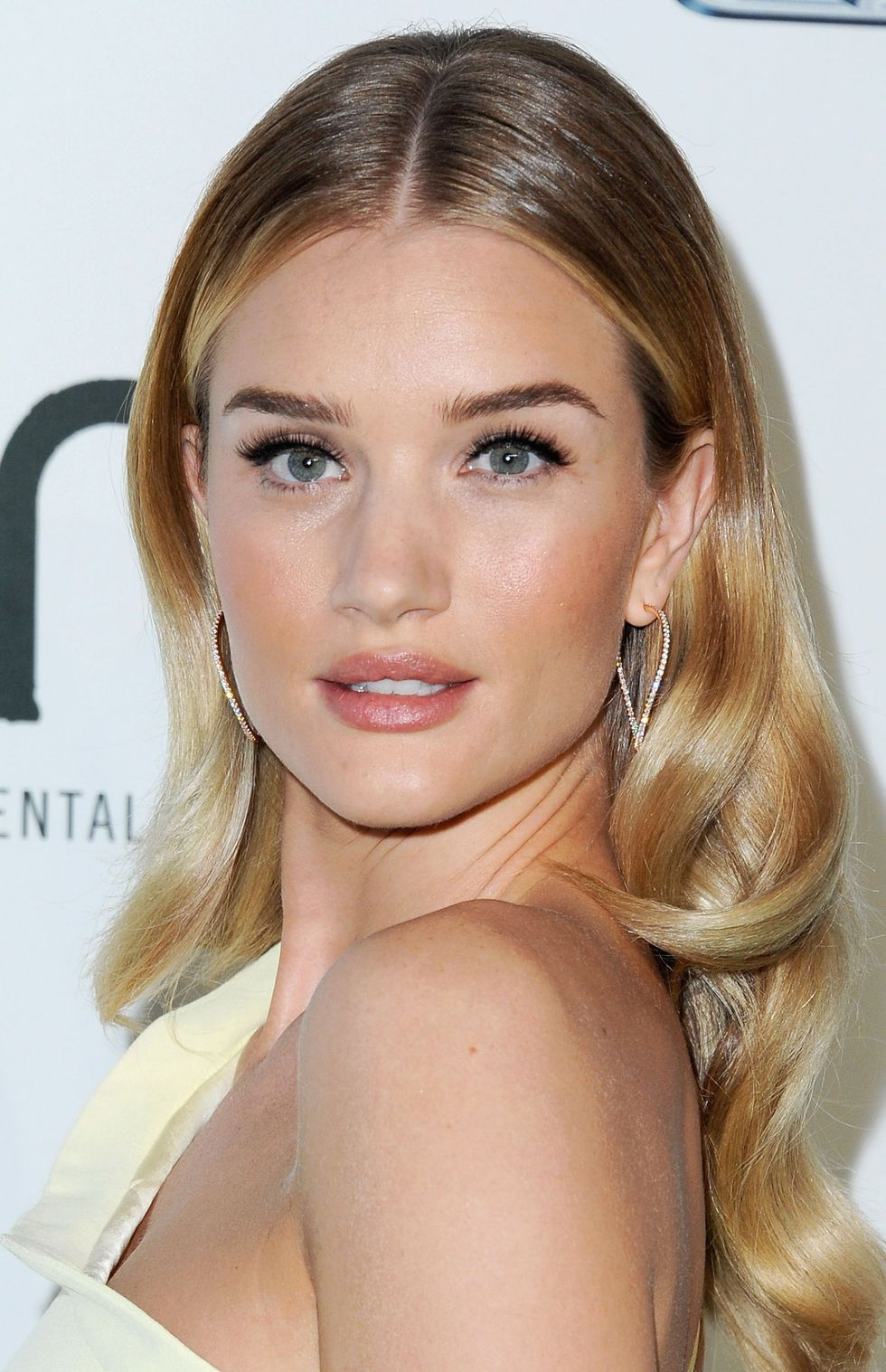 soft-natural-how-to-do-your-makeup-for-wedding-guest-beauty-rosie-huntington.jpg