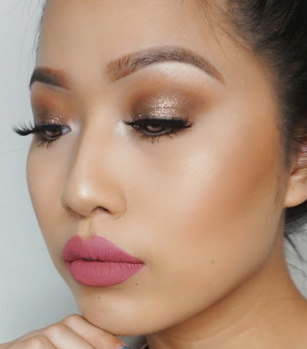 glam-how-to-do-your-makeup-for-wedding-guest-beauty-glitter-eyeshadow.jpg