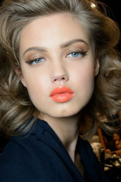 glam-how-to-do-your-makeup-for-wedding-guest-beauty-orange-lips-eyeshadow.jpg