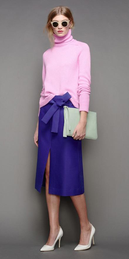 purple-royal-midi-skirt-pink-light-sweater-turtleneck-green-bag-clutch-pony-sun-white-shoe-pumps-fall-winter-blonde-lunch.jpg