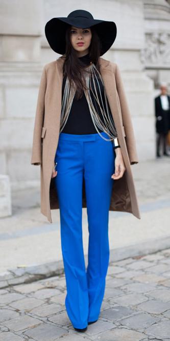 blue-med-wideleg-pants-black-sweater-turtleneck-basic-tan-jacket-coat-howtowear-style-fashion-fall-winter-street-cobalt-hat-brun-dinner.jpg