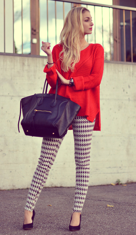 white-leggings-houndstooth-print-red-sweater-blonde-black-bag-tote-black-jacket-blazer-fall-winter-lunch.jpg
