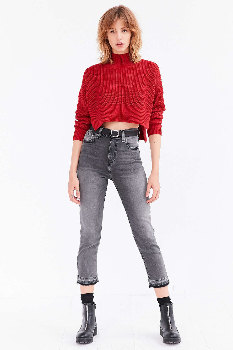 grayd-skinny-jeans-red-sweater-crop-belt-black-shoe-booties-wear-fashion-style-fall-winter-hairr-lunch.jpg