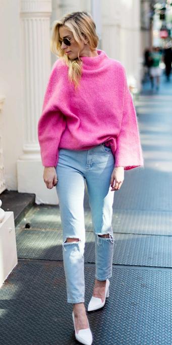 blue-light-skinny-jeans-pink-magenta-sweater-blonde-white-shoe-pumps-spring-summer-lunch.jpg