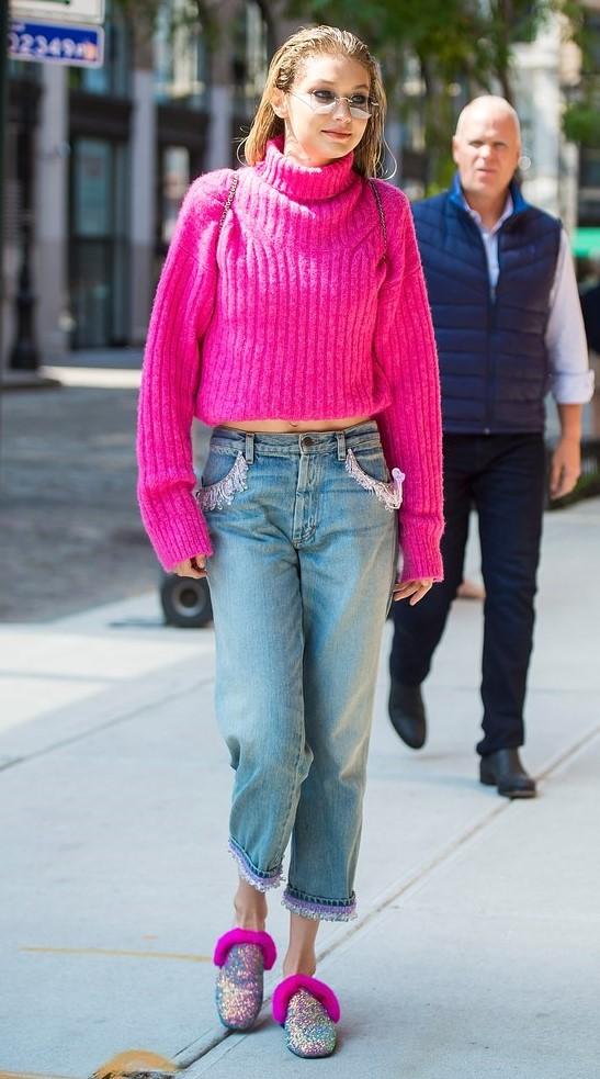 blue-light-boyfriend-jeans-gigihadid-pink-magenta-sweater-blonde-sun-pink-shoe-flats-mules-fall-winter-weekend.jpg