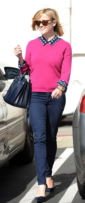 blue-navy-skinny-jeans-blue-navy-top-blouse-dot-pink-magenta-sweater-blue-bag-sun-watch-blue-shoe-pumps-blue-bag-howtowear-fashion-style-outfit-spring-summer-blonde-lunch.jpg