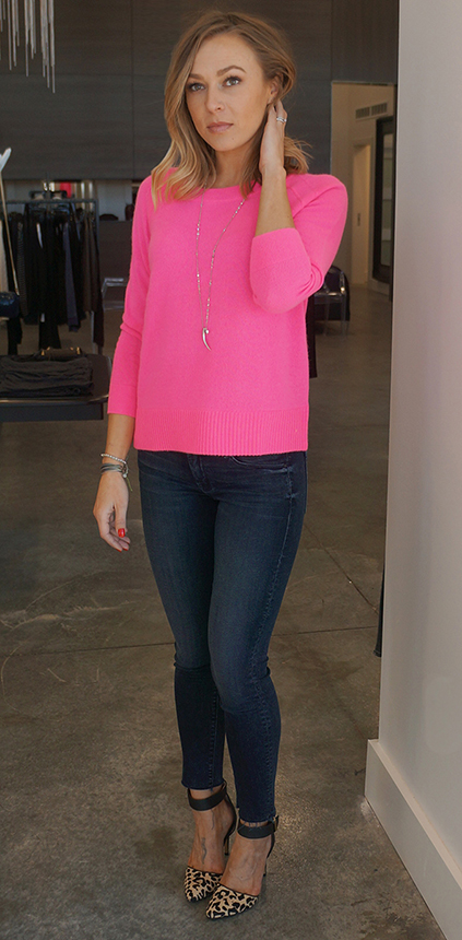 blue-navy-skinny-jeans-r-pink-magenta-sweater-pend-necklace-tan-shoe-pumps-leopard-valentinesday-howtowear-fashion-style-outfit-spring-summer-blonde-lunch.jpg