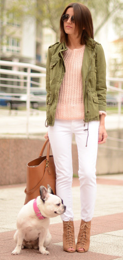 white-skinny-jeans-o-peach-sweater-green-olive-jacket-utility-cognac-shoe-sandalh-cognac-bag-tote-sun-howtowear-fashion-style-outfit-spring-summer-hairr-lunch.jpg