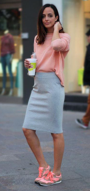 grayl-pencil-skirt-peach-sweater-peach-shoe-sneakers-howtowear-fashion-style-outfit-spring-summer-brun-lunch.jpg