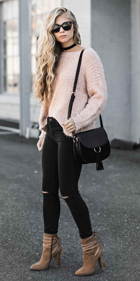 black-skinny-jeans-tan-shoe-booties-black-bag-choker-peach-sweater-sun-fall-winter-blonde-lunch.jpg