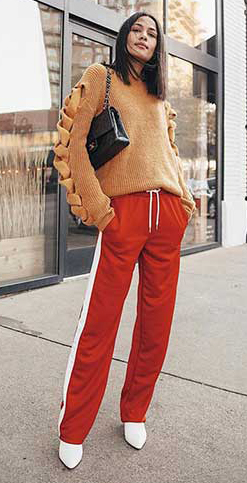 red-wideleg-pants-trackpants-camel-sweater-brun-black-bag-white-shoe-booties-fall-winter-lunch.jpg