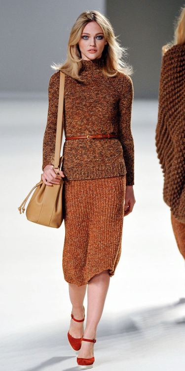 camel-midi-skirt-camel-sweater-belt-tan-bag-orange-shoe-pumps-howtowear-fall-winter-blonde-work.jpg