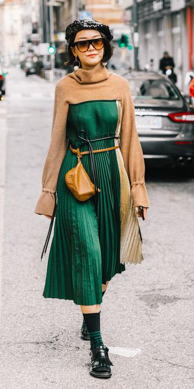 green-dark-dress-midi-pleated-cognac-bag-fannypack-camel-sweater-crop-layer-socks-black-shoe-sandalh-mules-hat-brun-sun-fall-winter-lunch.jpg