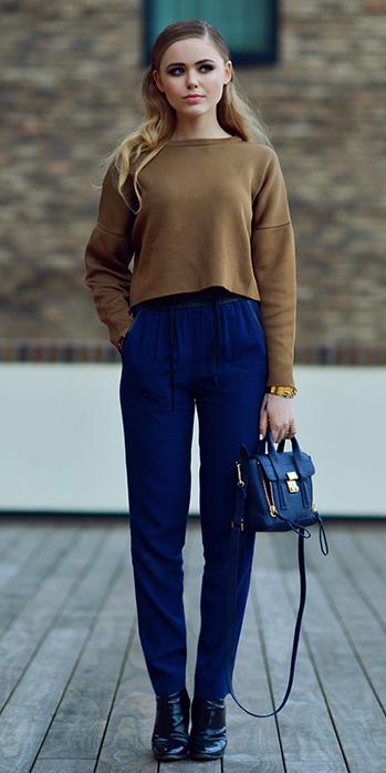 camel-sweater-blonde-blue-bag-howtowear-fashion-blue-navy-joggers-pants-fall-winter-lunch.jpg