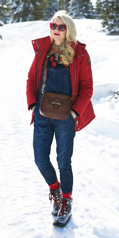 blue-navy-jumpsuit-overalls-camel-sweater-brown-bag-socks-blonde-sun-snow-red-jacket-coat-parka-fall-winter-outfit-weekend.jpg