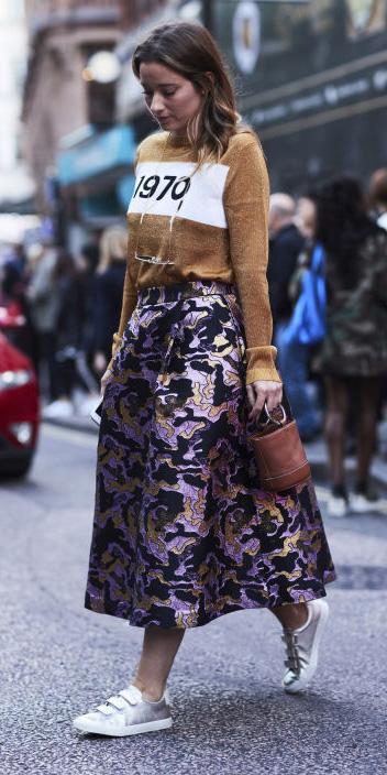 purple-light-midi-skirt-camel-sweater-cognac-bag-white-shoe-sneakers-hairr-fall-winter-weekend.jpg