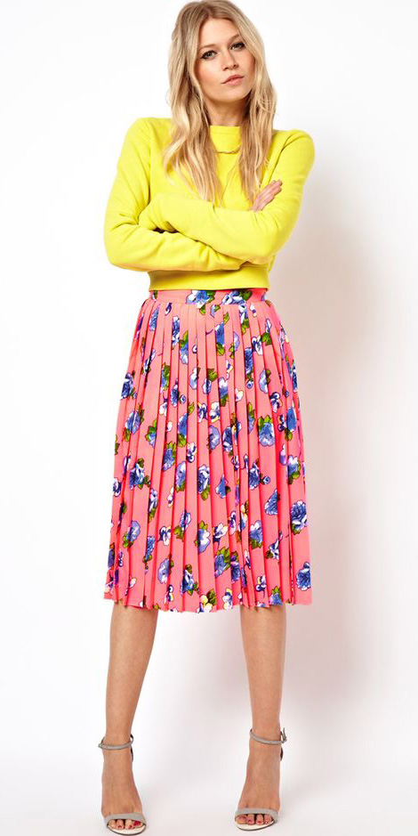 pink-magenta-midi-skirt-pleated-floral-print-yellow-sweater-tan-shoe-sandalh-spring-summer-blonde-lunch.jpg