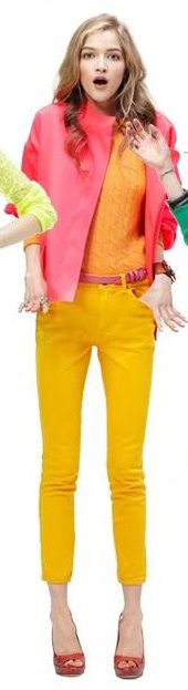 yellow-skinny-jeans-yellow-sweater-pink-magenta-jacket-coat-belt-red-shoe-pumps-howtowear-fashion-style-outfit-blonde-fall-winter-lunch.jpg