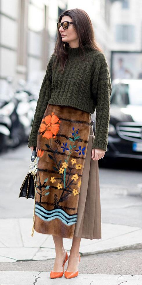 how-to-style-camel-midi-skirt-green-olive-sweater-brun-sun-orange-shoe-pumps-fall-winter-fashion-giovanna-battaglia-lunch.jpg
