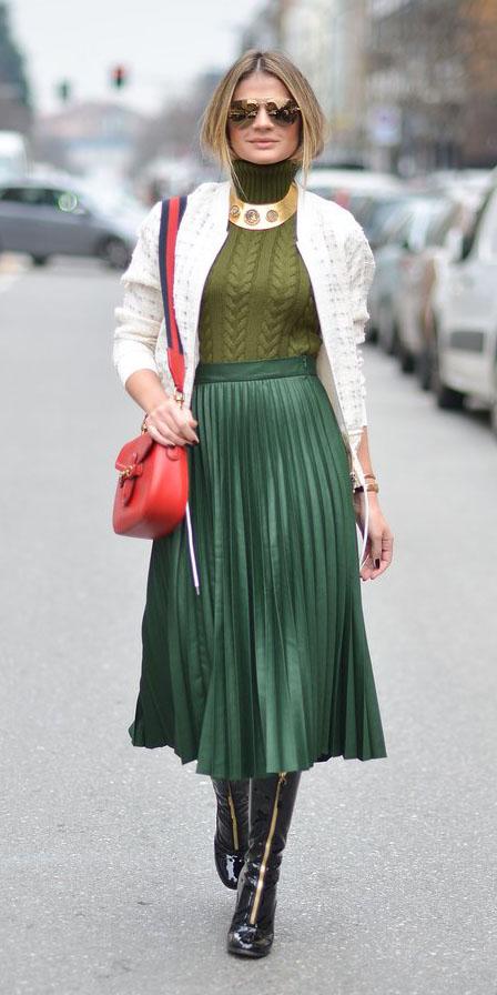 green-dark-midi-skirt-pleat-green-olive-sweater-turtleneck-white-jacket-bomber-red-bag-sun-necklace-black-shoe-pumps-fall-winter-lunch.jpg