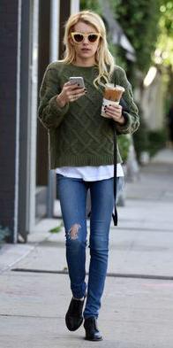 blue-med-skinny-jeans-green-olive-sweater-black-shoe-booties-sun-howtowear-style-fashion-spring-summer-emmaroberts-celebrity-street-blonde-weekend.jpg