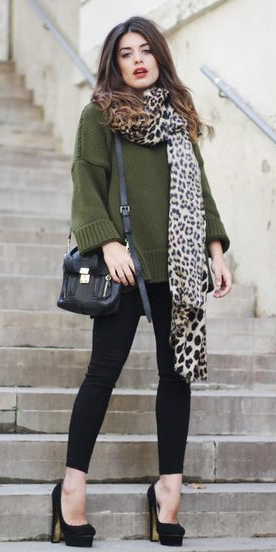 black-skinny-jeans-green-olive-sweater-tan-scarf-leopard-print-brun-black-bag-black-shoe-pumps-fall-winter-lunch.jpg