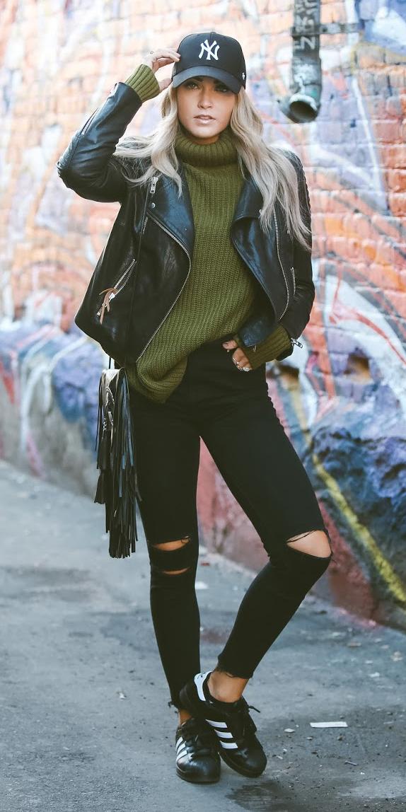 black-skinny-jeans-green-olive-sweater-turtleneck-blonde-hat-cap-black-shoe-sneakers-black-jacket-moto-black-bag-fall-winter-weekend.jpg