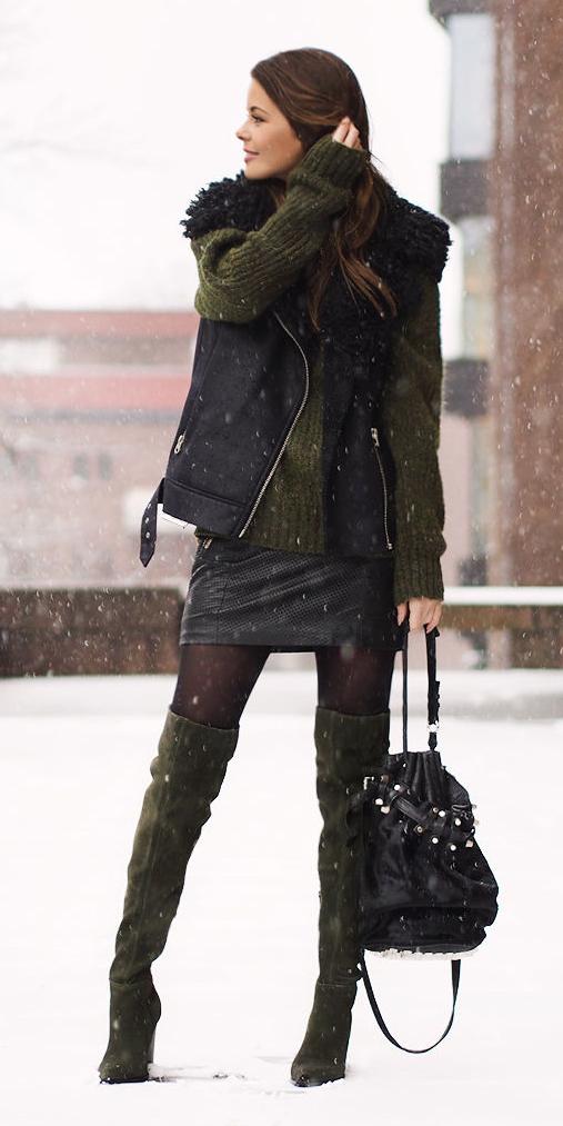 black-mini-skirt-black-tights-green-shoe-boots-black-bag-green-olive-sweater-black-vest-fall-winter-brun-lunch.jpg