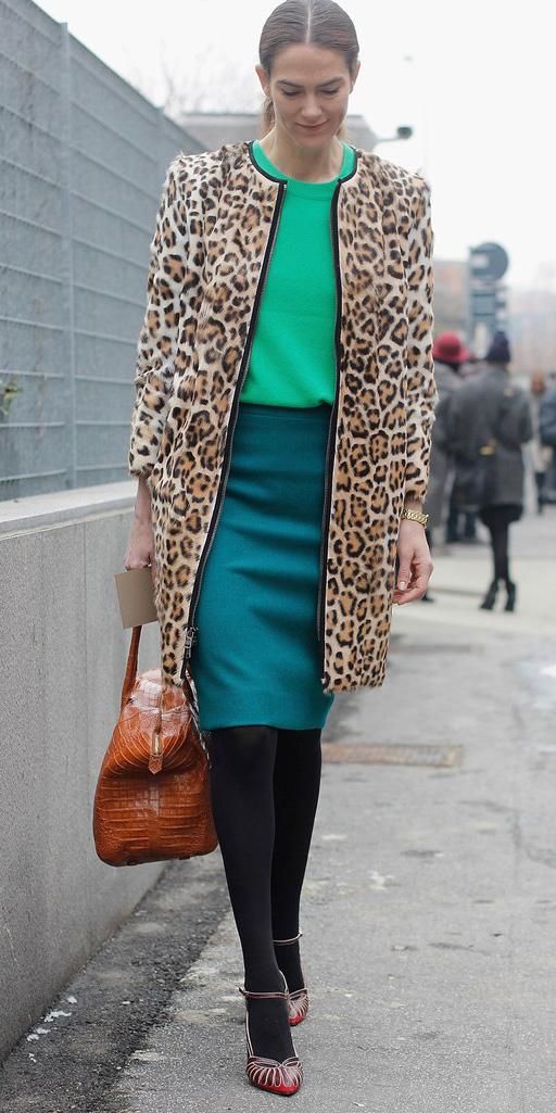 blue-med-pencil-skirt-green-emerald-sweater-tan-jacket-coat-leopard-print-black-tights-cognac-bag-brown-shoe-pumps-hairr-pony-fall-winter-dinner.jpg
