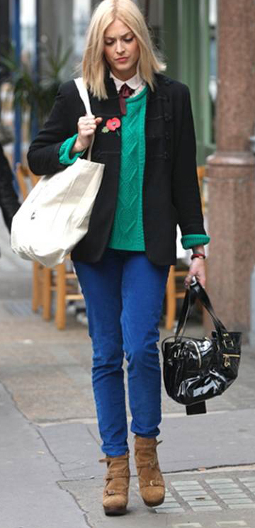 blue-navy-skinny-jeans-white-collared-shirt-green-emerald-sweater-cognac-shoe-booties-black-bag-fearnecotton-wear-outfit-fashion-fall-winter-black-jacket-blazer-blonde-work.jpg