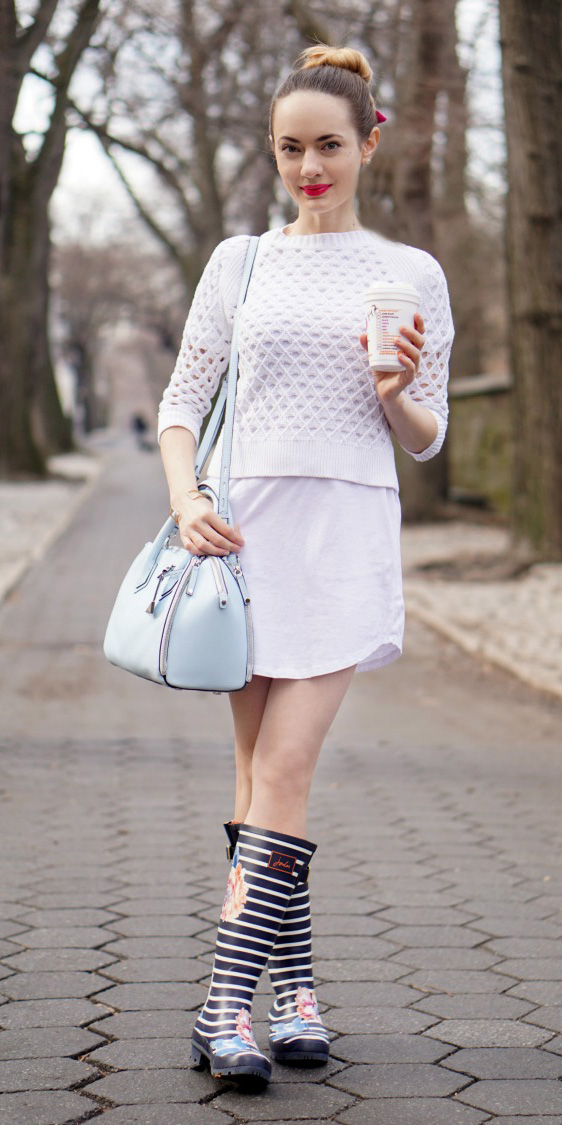 white-dress-tshirt-white-sweater-blue-shoe-boots-blue-bag-hairr-bun-spring-summer-weekend.jpg