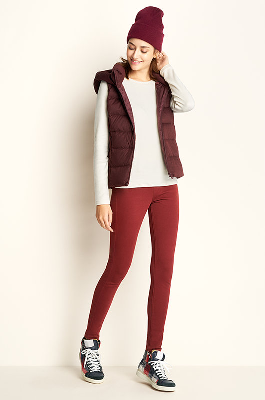 red-leggings-white-sweater-burgundy-vest-puffer-beanie-fall-winter-hairr-weekend.jpg